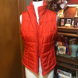 OUTER EDGE RED-ORANGE PUFFY VEST